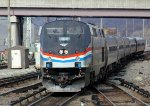 AMTK 704 arrives on train 280